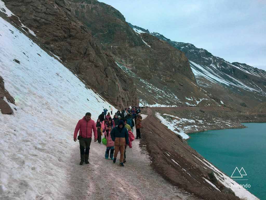 Caminhada em Cajón del Maipo no inverno