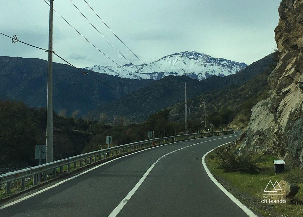 Estrada de Cajón del Maipo no inverno