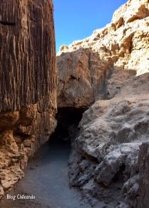 Caverna no Valle de la Luna