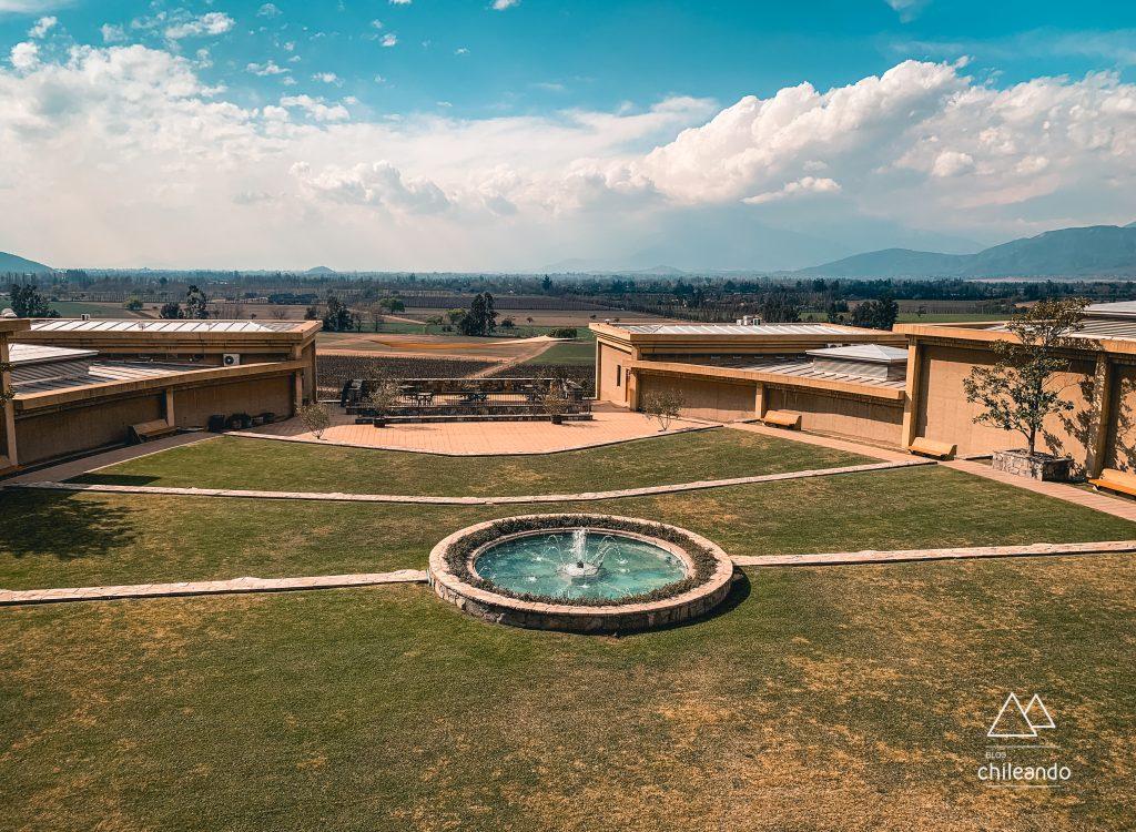 Jardim da vinícola Haras de Pirque, em Santiago