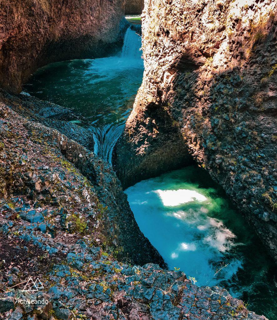 Piscinas naturais ao longo do curso do Rio Claro