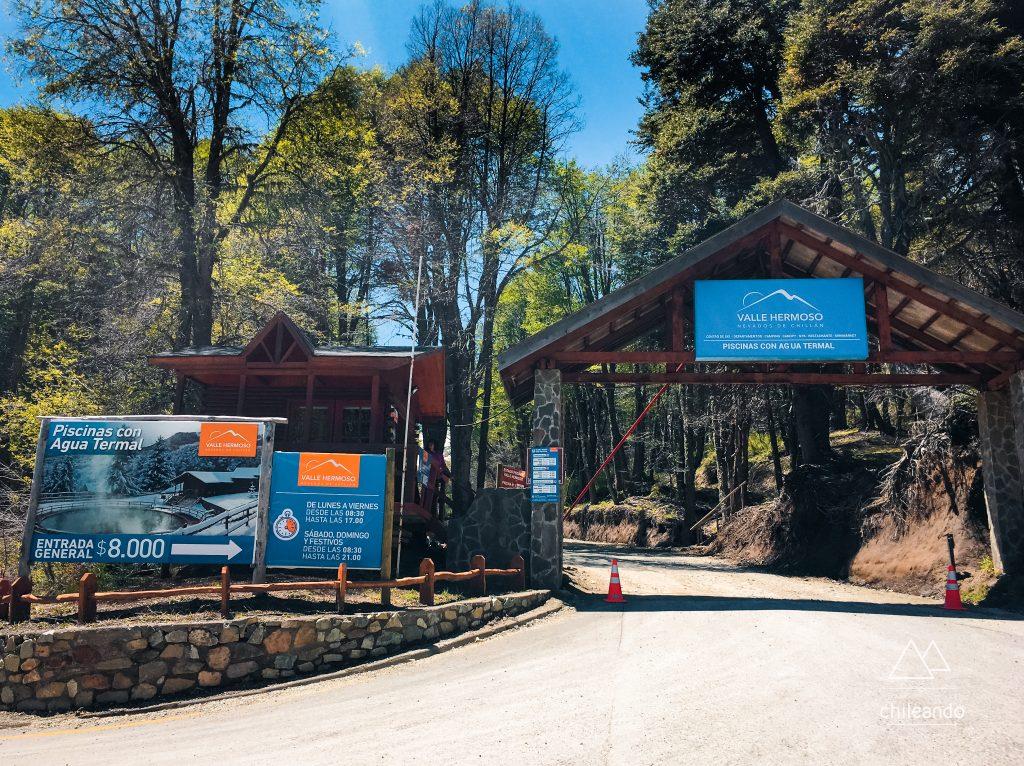 Acesso à piscina termal do Valle Hermoso, em Chillán