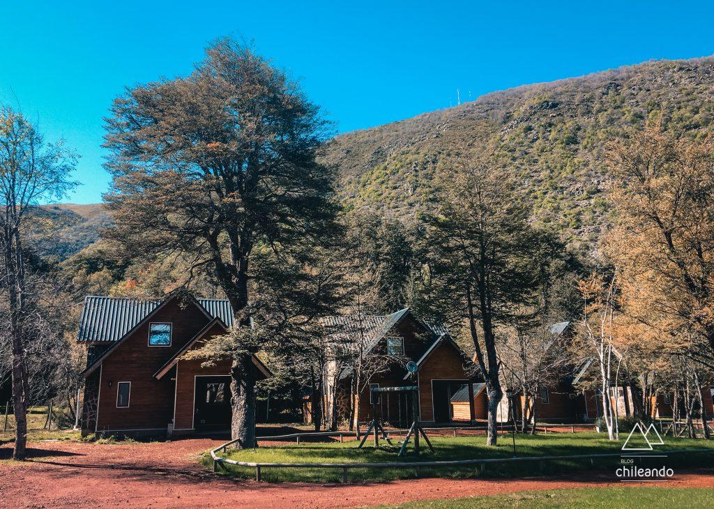 Charmosas cabanas em Chillán no verão