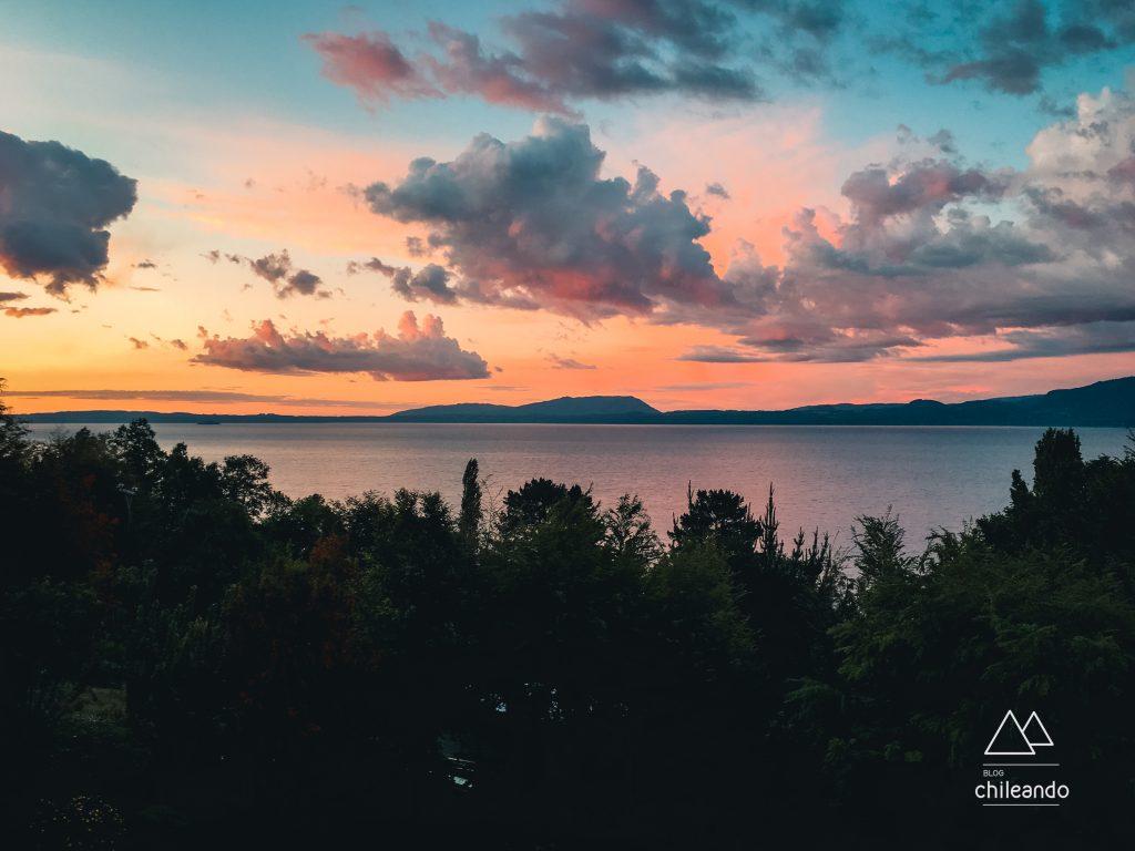Lago Villarrica ao fim do dia