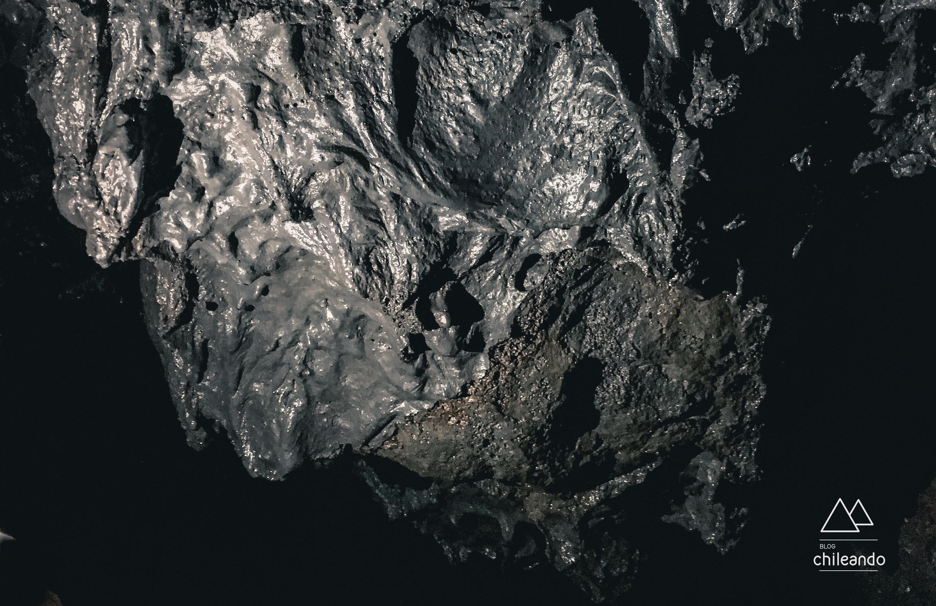 Parede de lava negra
