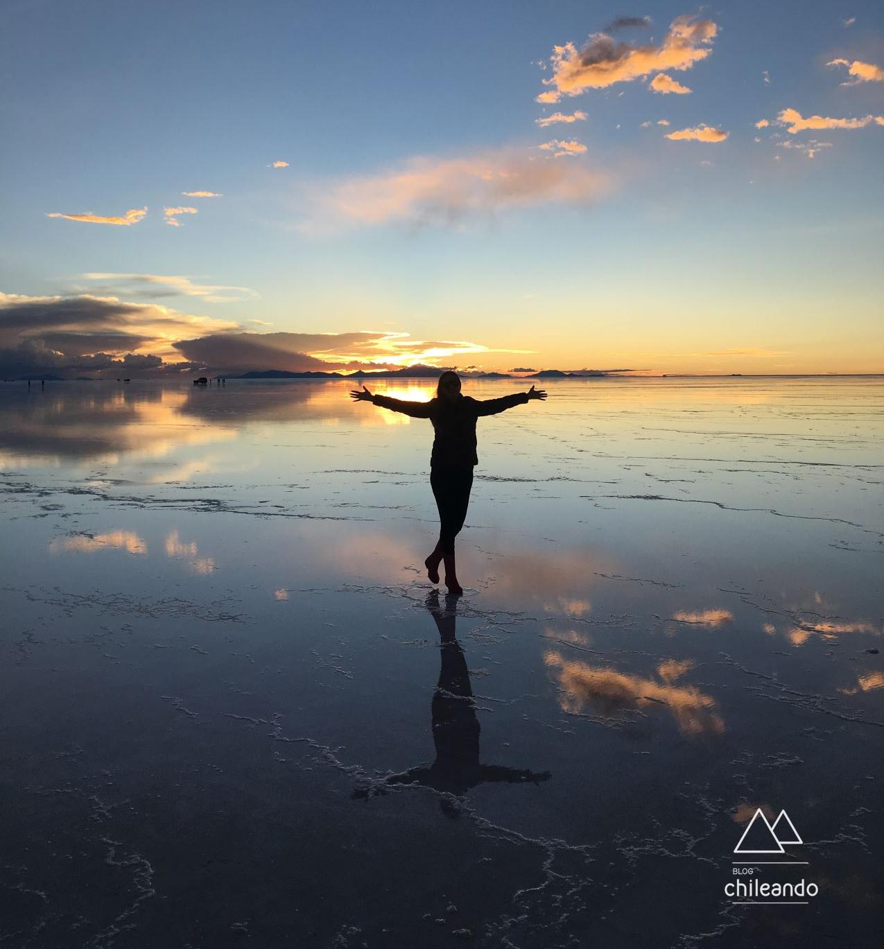 O pôr do sol no salar de Uyuni