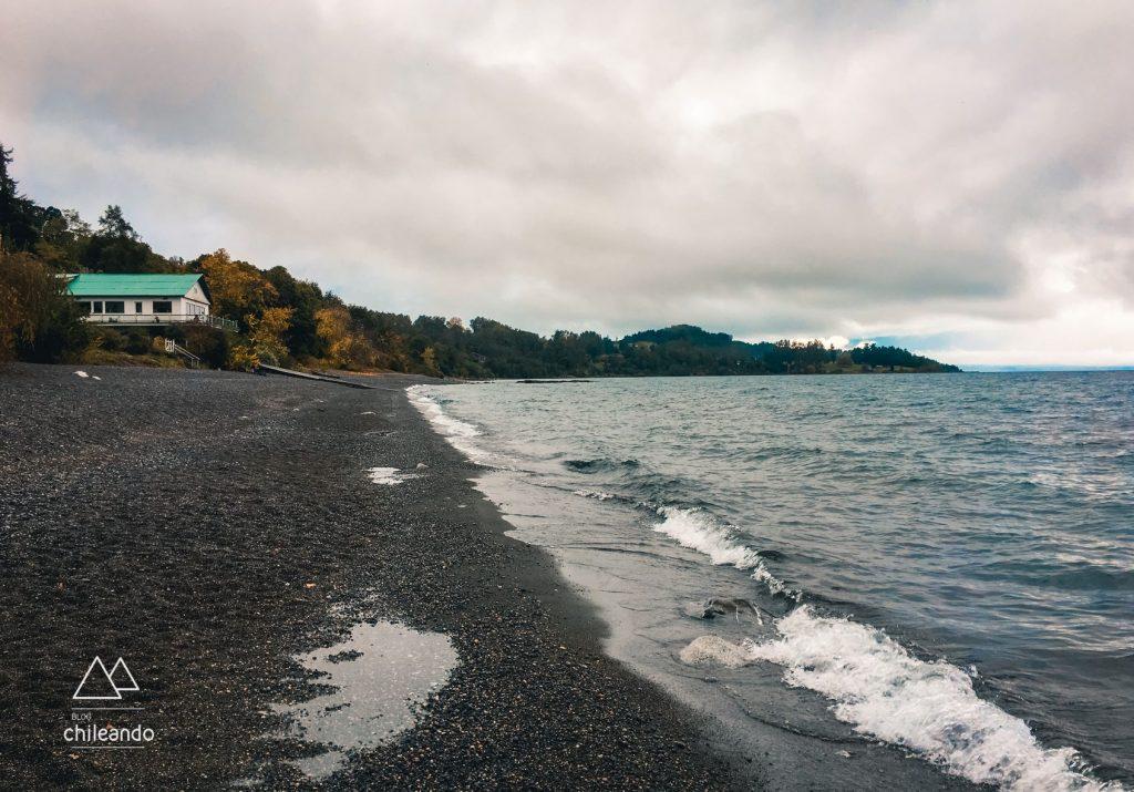 Lagos do Chile, Praia de Puerto Nuevo