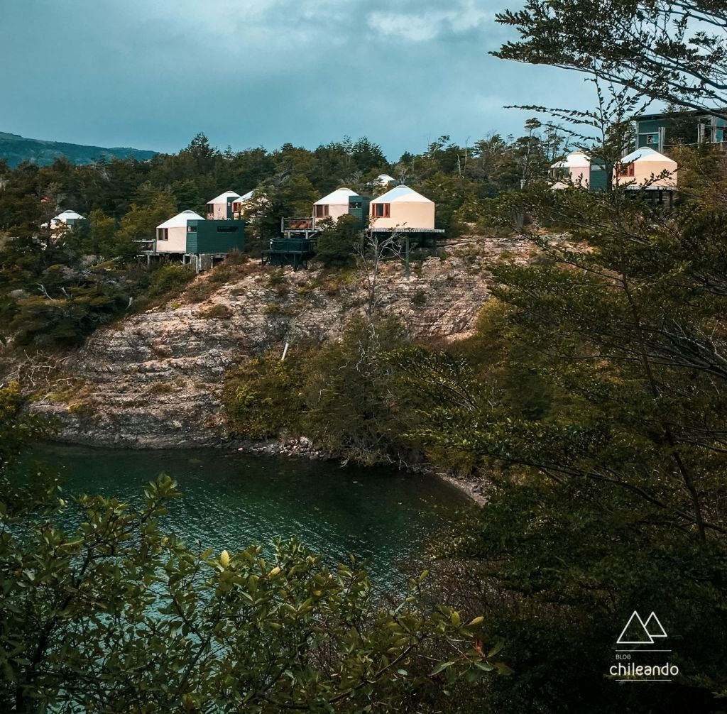 Yurts do Patagonia Camp à beira do lago Toro