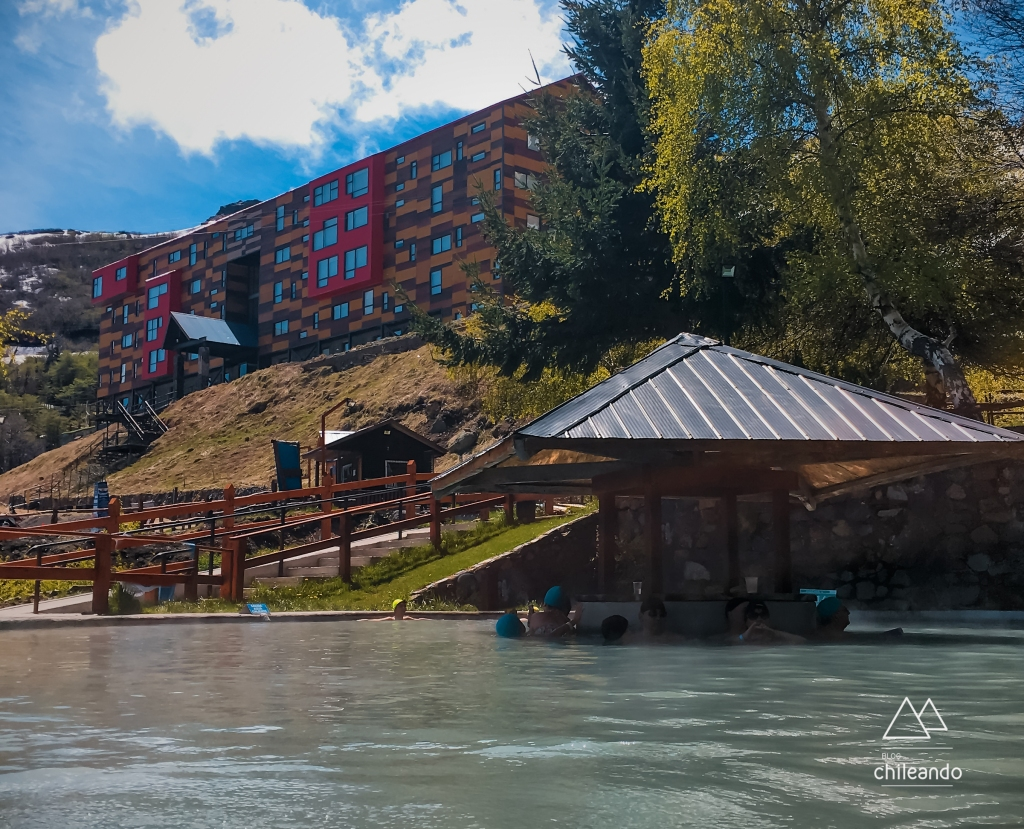 Parque de águas e o hotel Alto Nevados de Chillán