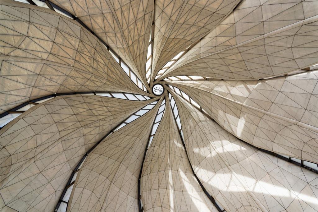 Vista do domo central do templo. Foto: http://templo.bahai.cl/