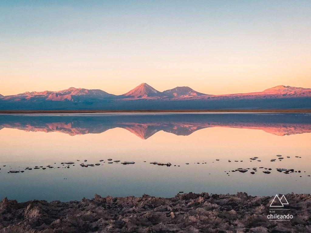 Vista sensacional da lagoa Tebenquiche, no Atacama