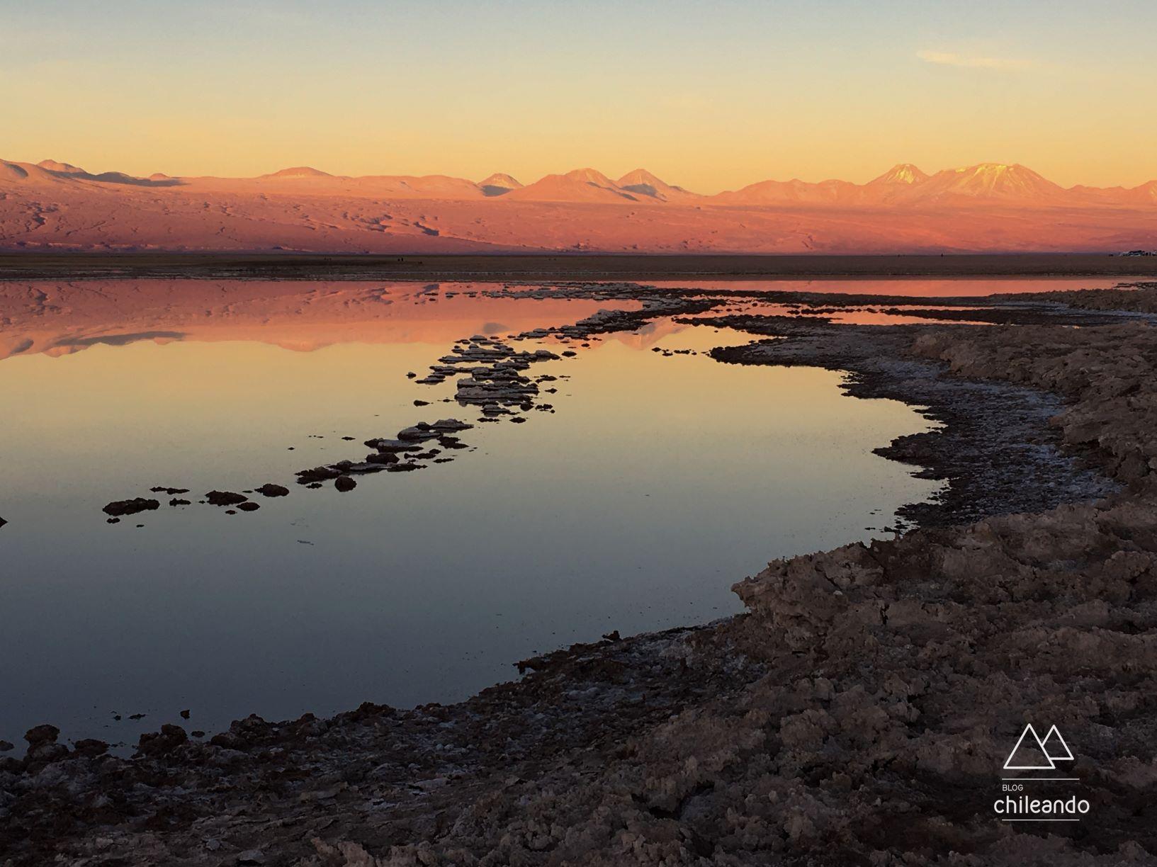 Pôr do sol na lagoa Tebenquiche