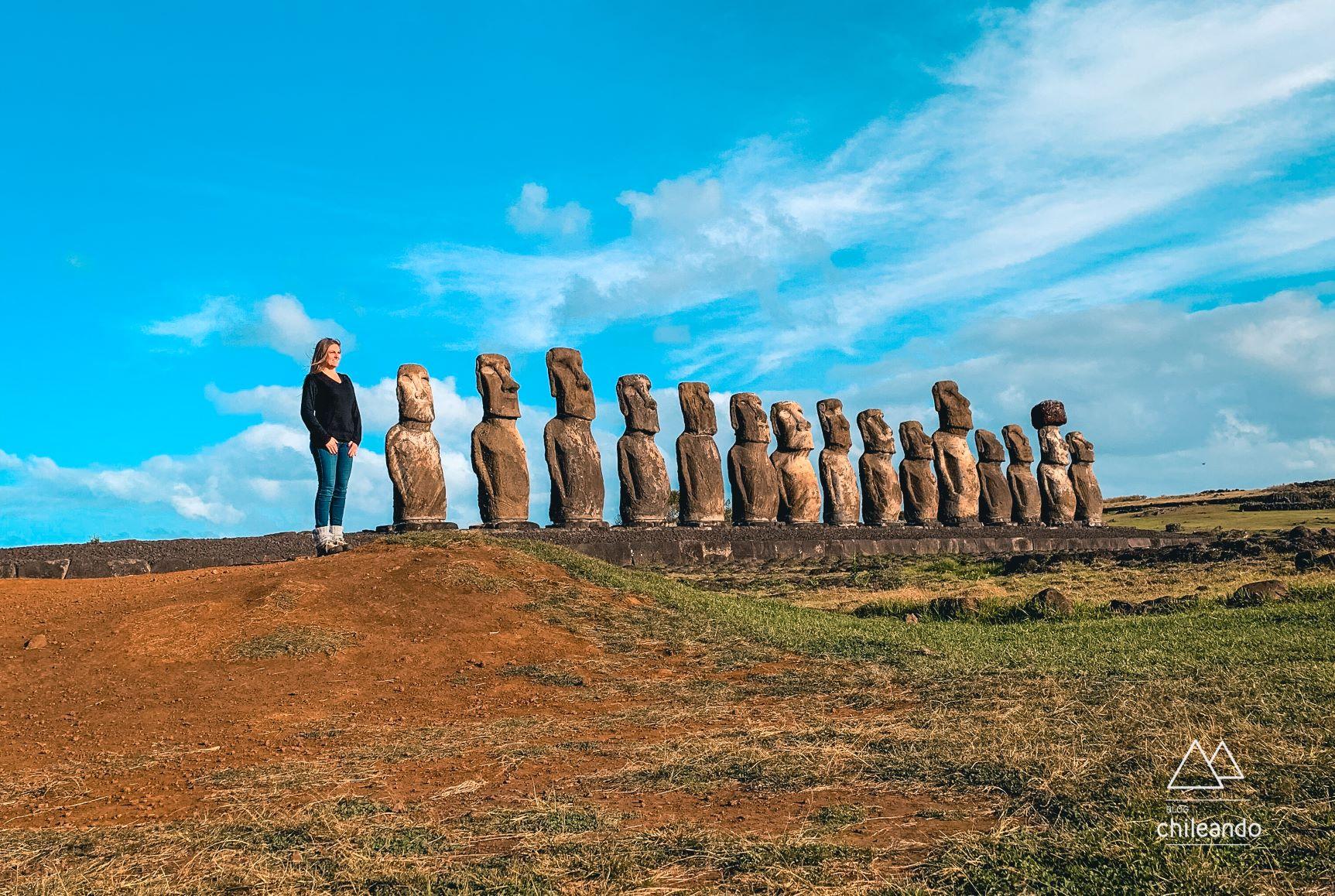 """Eu """"Moai"""" na maior plataforma da ilha"""