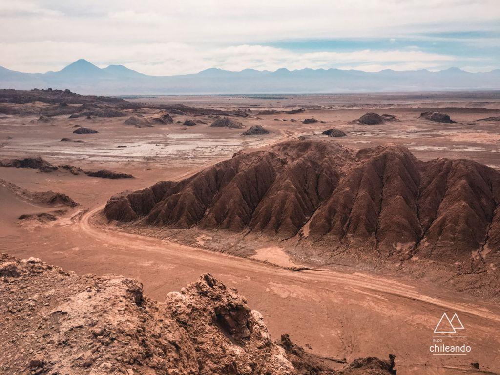 Vista do mirante na cordilheira de sal
