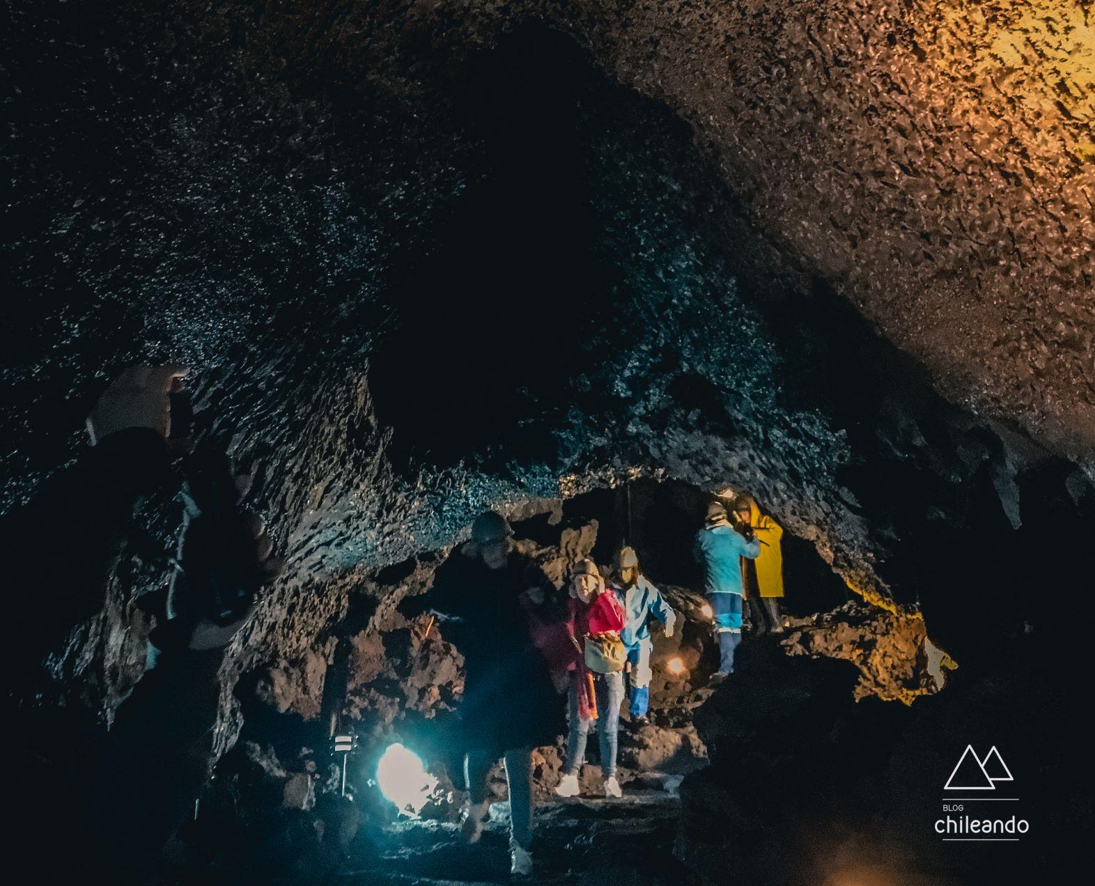 Iluminação artificial na caverna
