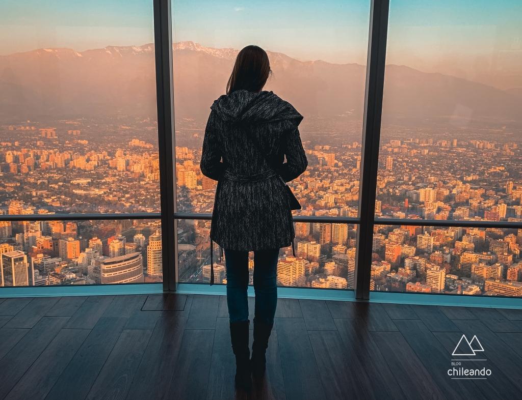 Vista de Santiago do Sky Costanera, o mirante mais alto da América Latina
