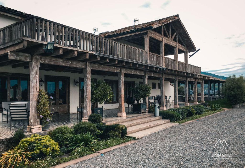 Terraço do restaurante na vinícola Casa Silva