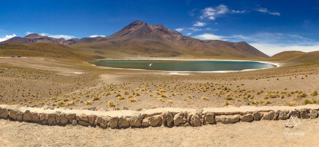 Laguna Miñiques, no Atacama
