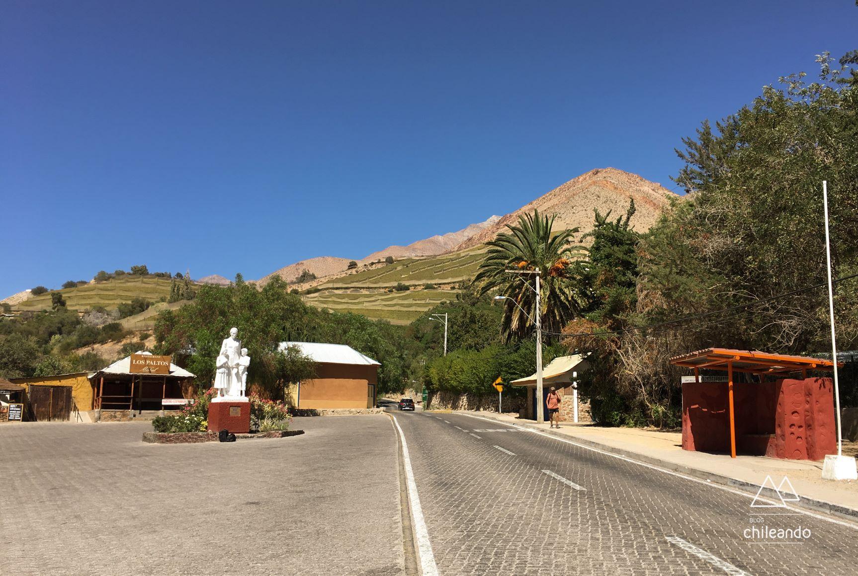 Rua do povoado Montegrande, no Valle de Elqui