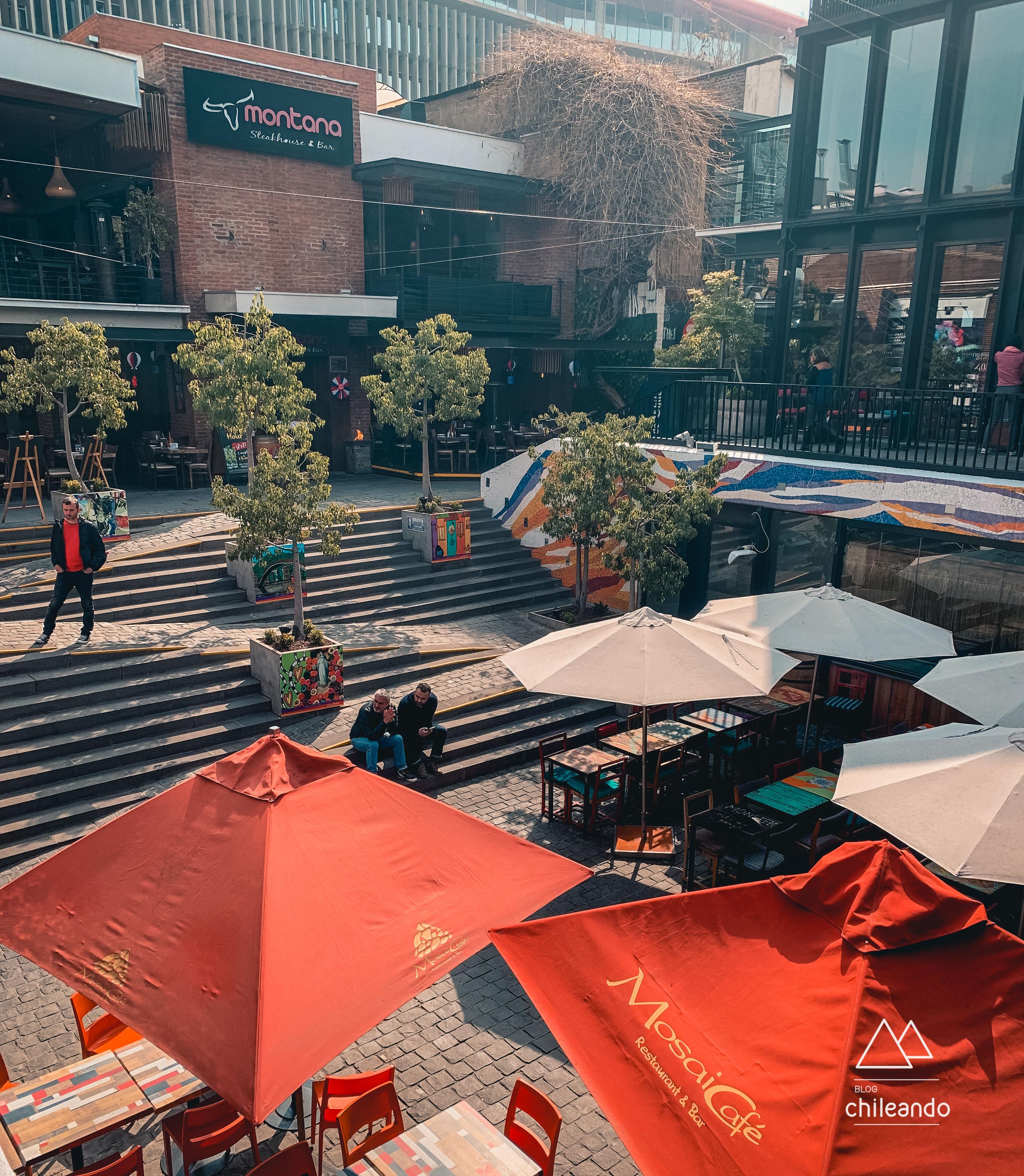 Patio Bellavista tem bares e restaurantes