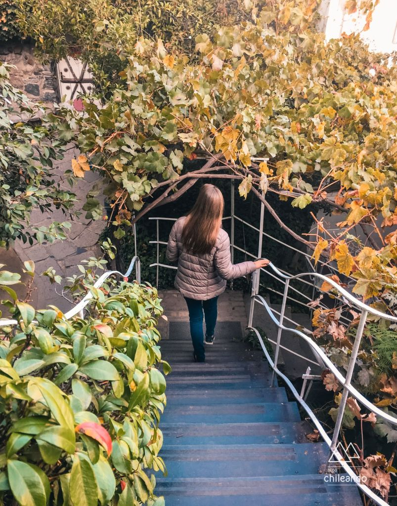 Explorando os jardins da casa museu de Neruda, La Chascona