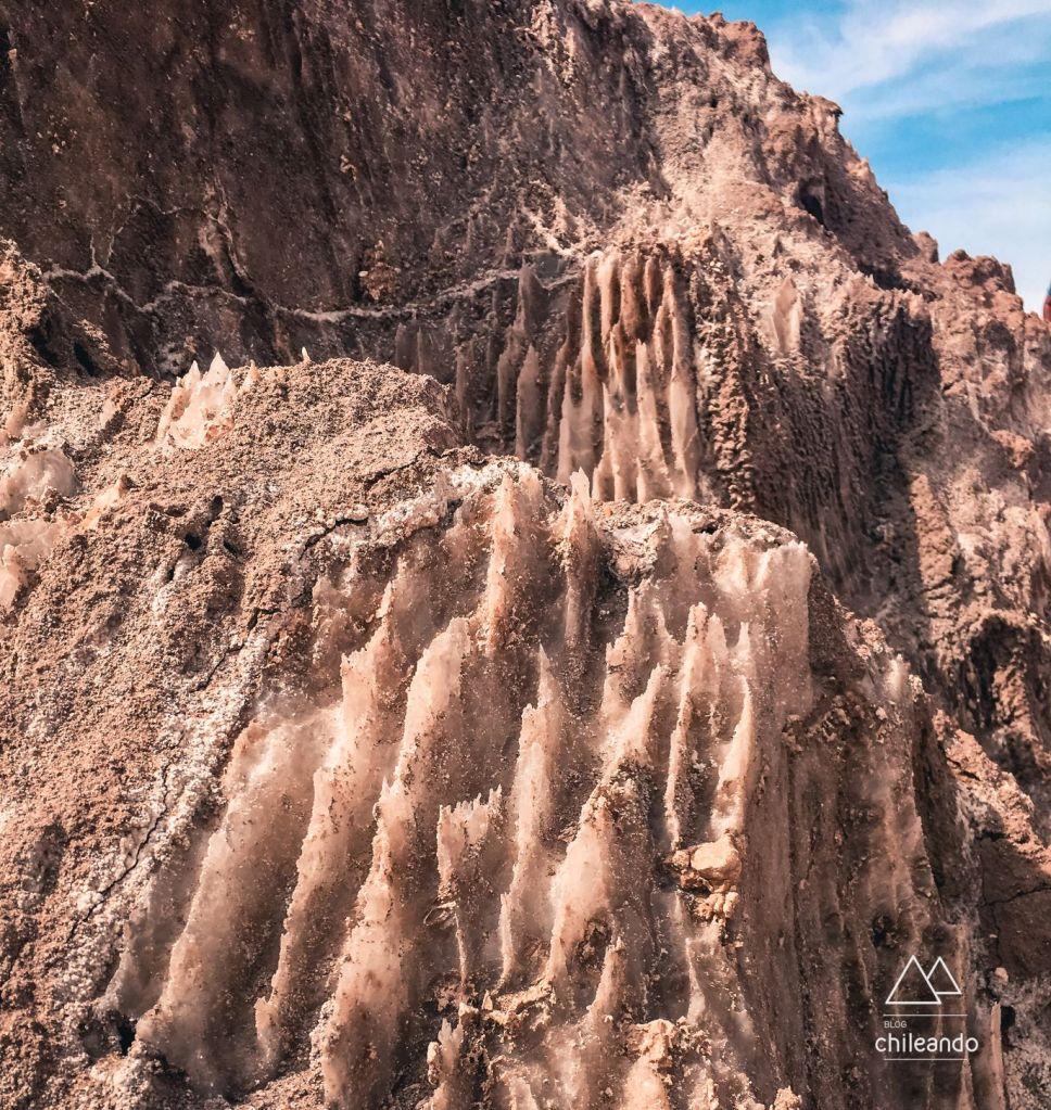 Rochas de sal, no Atacama, passeio lagoas escondidas de Baltinache