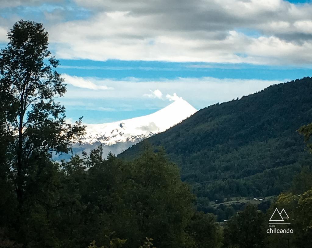 O superativo vulcão Villarrica, visto a caminho do parque