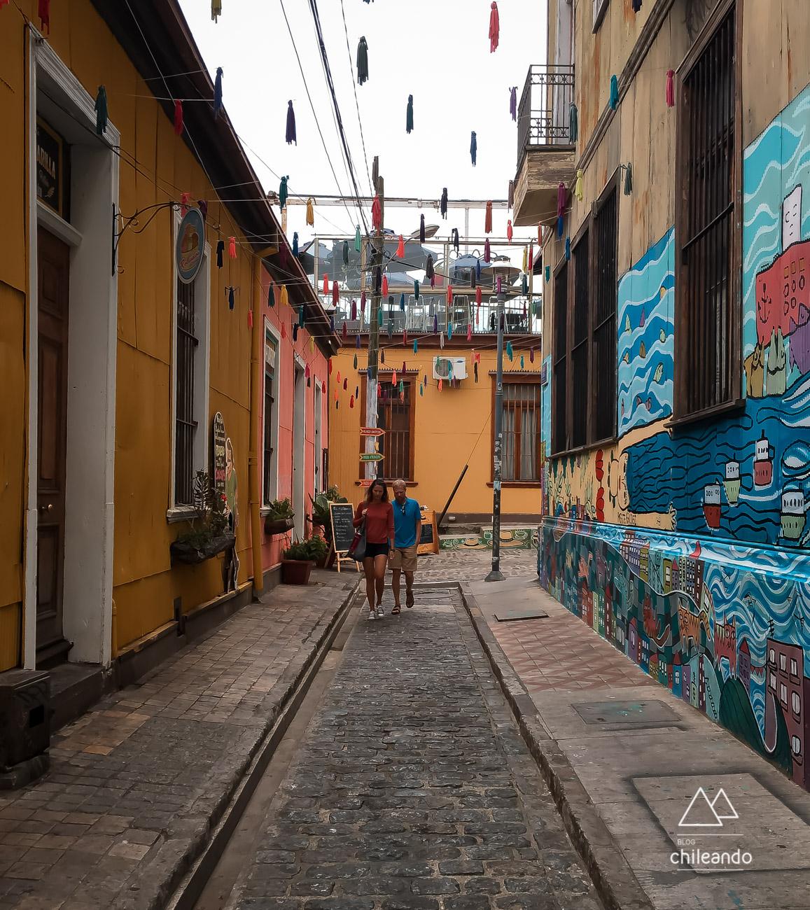 Passeio pelas ruas coloridas de Valparaíso